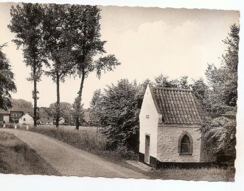 stambruges,cartes postales,chapelle N D des Buissons