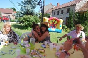 fête des voisins 2012, coron du croquet (136).JPG