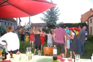 fête des voisins 2012, coron du croquet (201).JPG