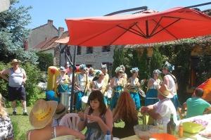 fête des voisins 2012, coron du croquet (216).JPG