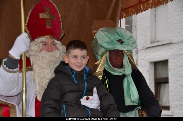 2013 Saint Nicolas dans les rues (140).JPG