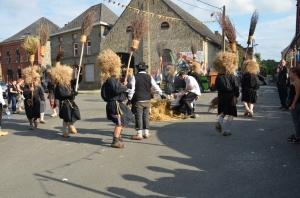 2015 Fête Villageoise Cortège Brulach Sorcières de Stmbruges (2).JPG