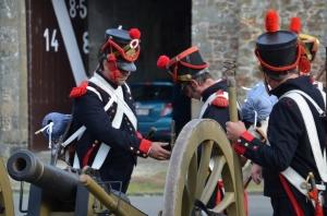 2015 Fête Villageoise Cortège 3 ème Régiment d'Artillerie à Pieds de Stambruges (98).JPG