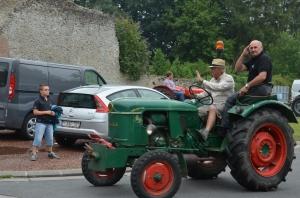 2015 Fête Villageoise Défilé des Tracteurs (62).JPG