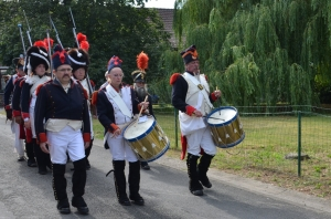 2015 Fête Villageoise Cortège 3 ème Régiment d'Artillerie à Pieds de Stambruges (50).JPG