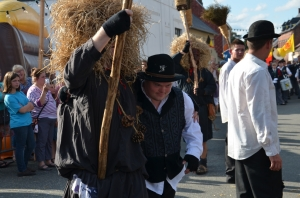 2015 Fête Villageoise Cortège Brulach Sorcières de Stmbruges (174).JPG