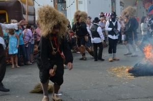 2015 Fête Villageoise Cortège Brulach Sorcières de Stmbruges (34).JPG