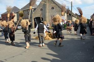 2015 Fête Villageoise Cortège Brulach Sorcières de Stmbruges (3).JPG