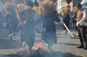 2015 Fête Villageoise Cortège Brulach Sorcières de Stmbruges (155).JPG