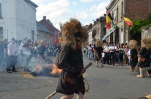 2015 Fête Villageoise Cortège Brulach Sorcières de Stmbruges (45).JPG